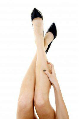 Как удалить волосы на ногах