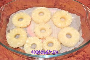 Пирог с консервированными ананасами с фото