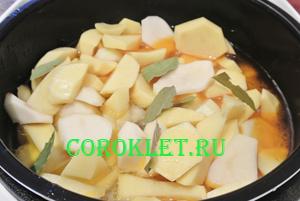 Тушеная картошка в мультиварке