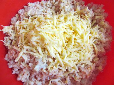 Куриные котлеты с сыром внутри