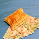 Слойки с сыром  из готового слоеного теста