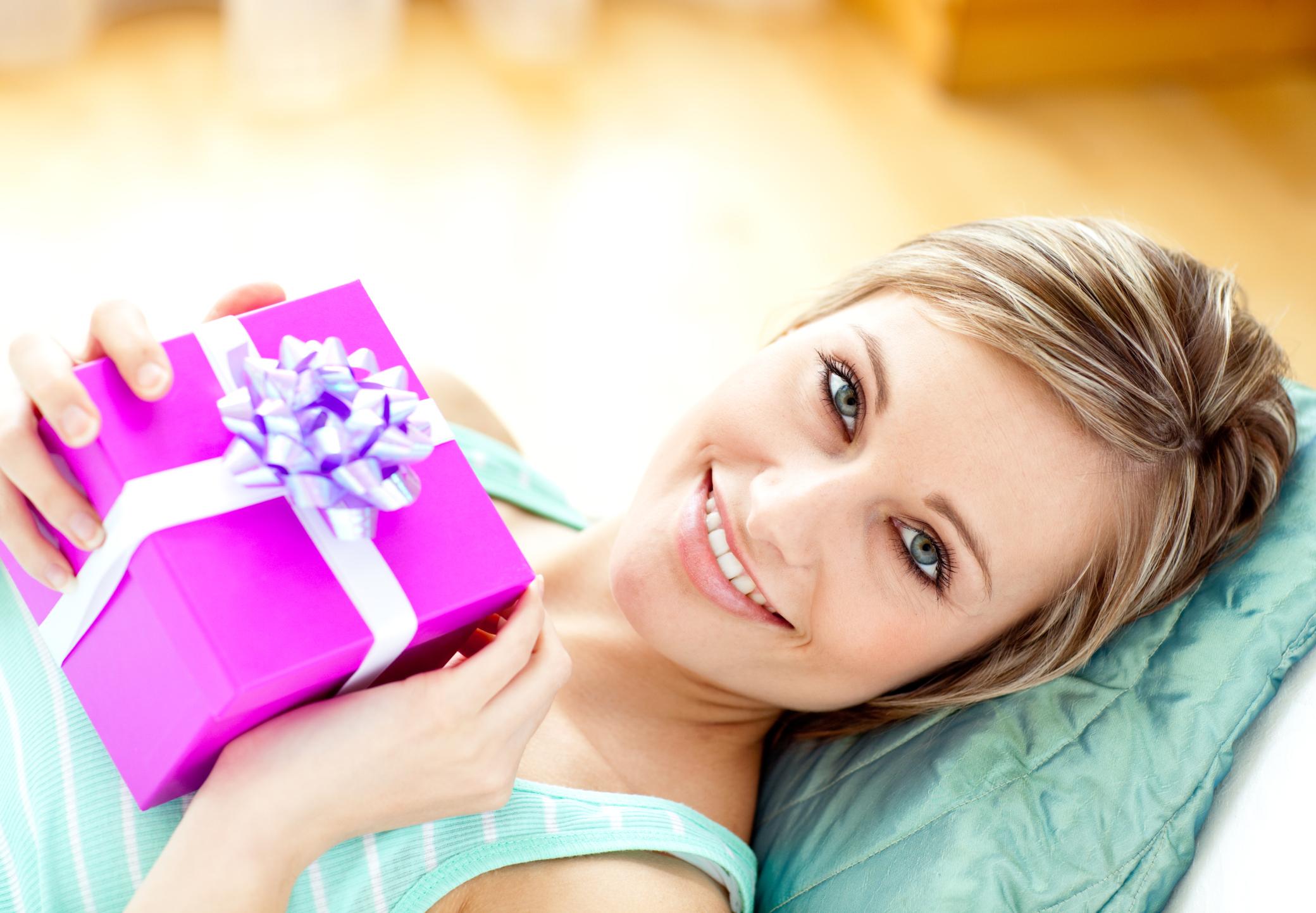 О подарке женщине