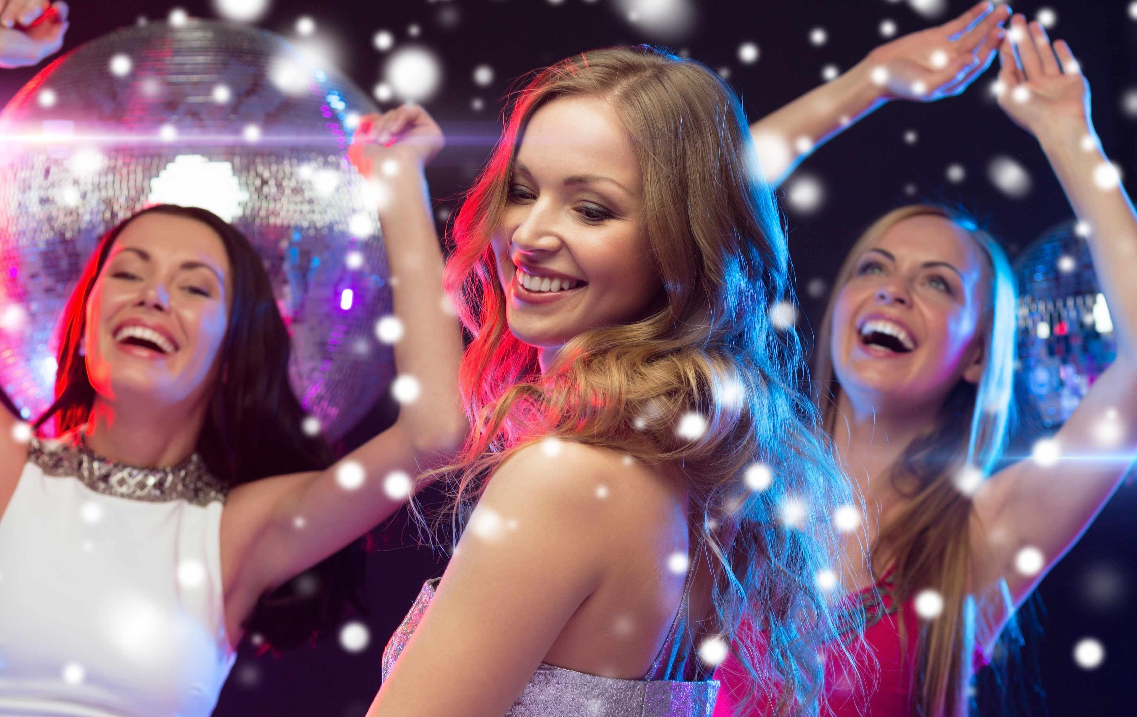 Как танцевать на корпоративе женщине 40 лет