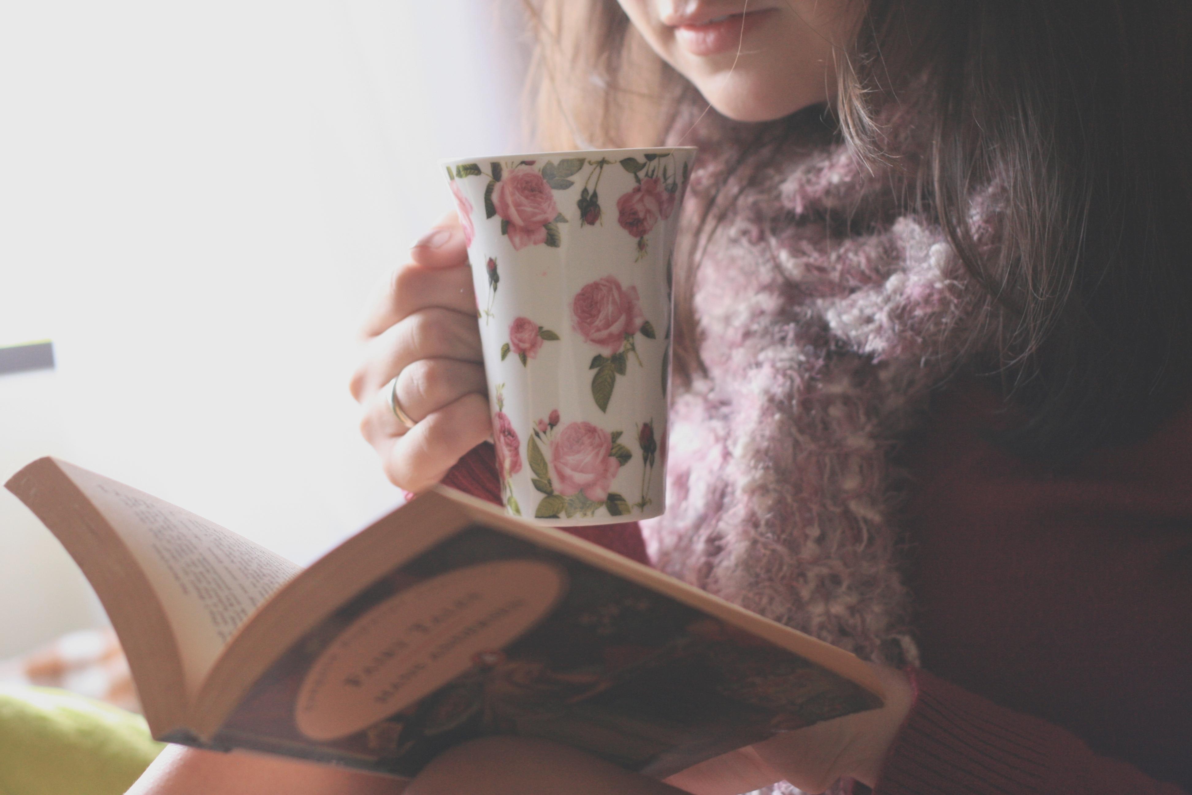 Какую книгу подарить женщине 40 лет?
